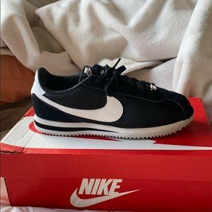 Nike Cortez Nylon size 8